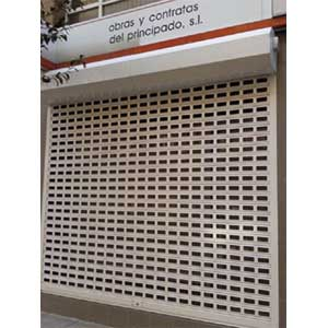 Instalación de persianas seguridad modelo AC115V galvanizadas.