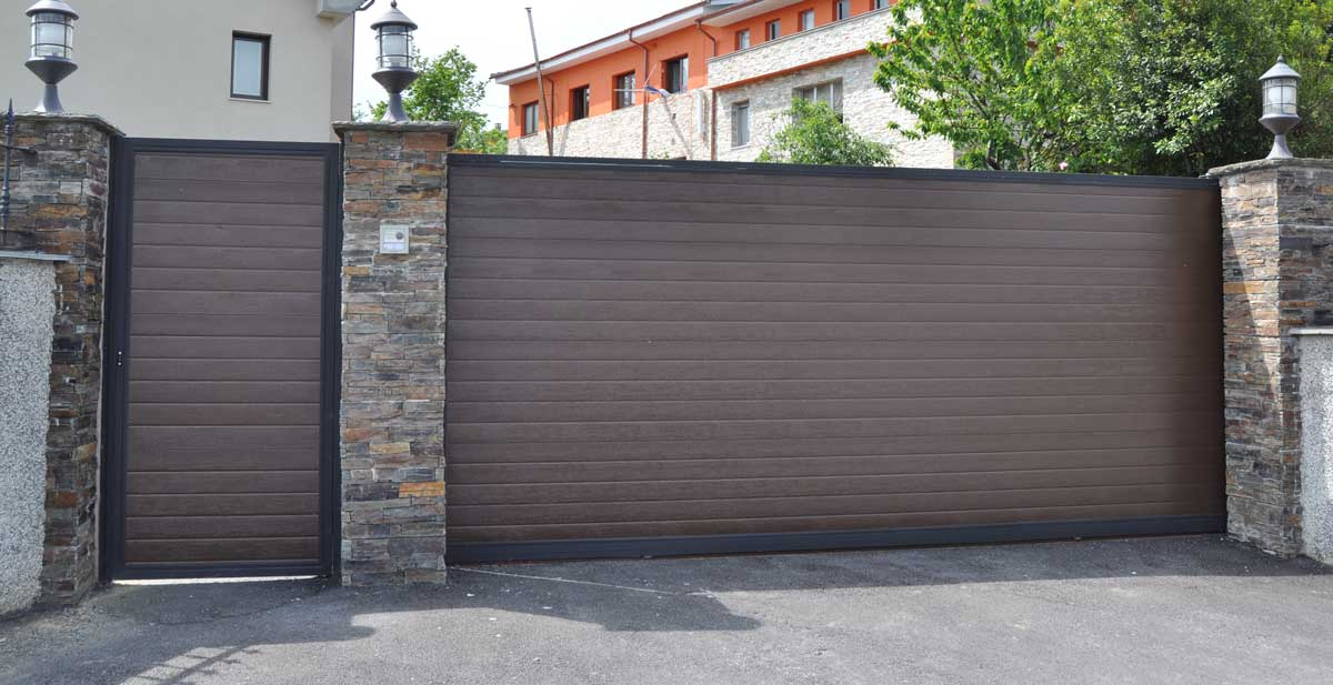 Puerta-Corredera-y-Puerta-Peatonal-