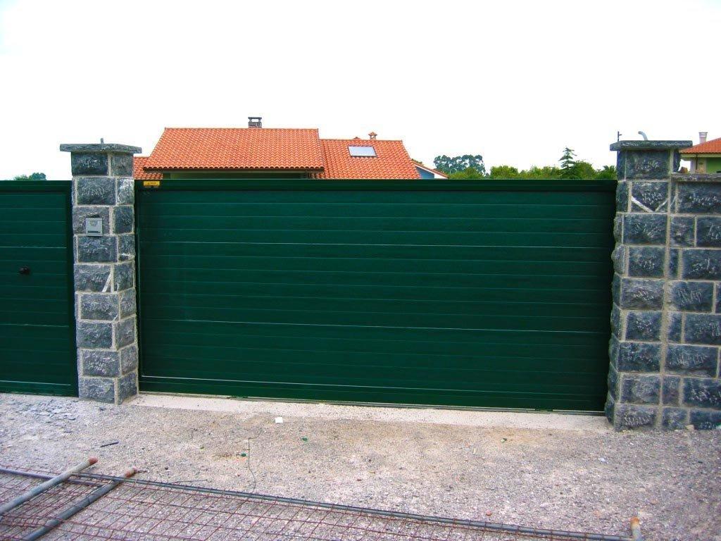 Puerta panel sandwich woodgrain acanalado