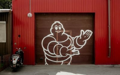 Cómo abrir una puerta de garaje sin mando