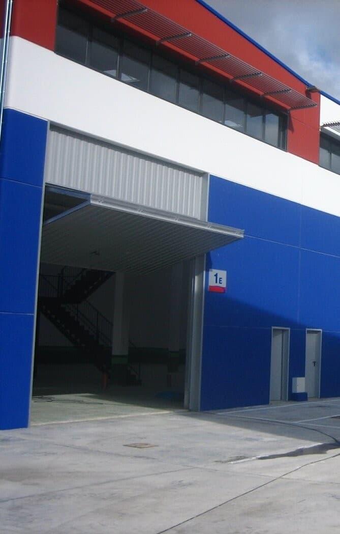 puerta contrapesada industrial